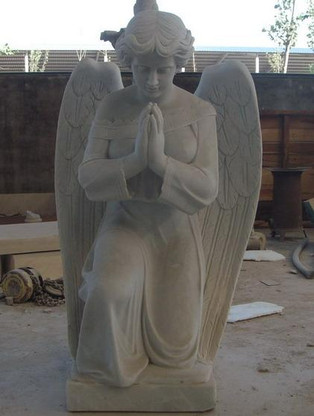 HAND CARVING MARBLE STATUE OF WOMAN ANGEL IN PRAYER , RELIGIOUS, WHITE MARBLE Measures: 39 tall x 25.5 long.