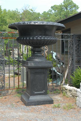 GIGANTIC CAST IRON URN ON PEDESTAL PROVIDES LOVELY OUTDOOR DECORATION, GOOD SIZE FOR A BUSINESS OR ESTATE