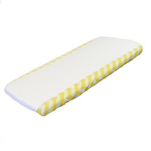 Change pad cover in combination white and yellow chevron