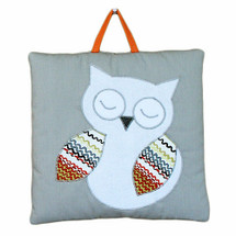 Sleeping owl wallhanging
