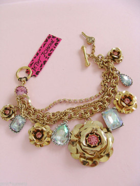 Betsey Johnson Gold Rose Pink Crystals Roses Rhinestones Iconic Toggle Bracelet