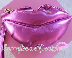 Betsey Johnson Pink LIPS KITCHY KISS WRISTLET Bag Lip Wink CLutch