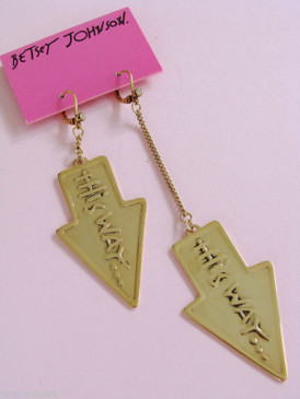 Betsey Johnson Taxi Girl New York NYC This Way Mix Match Earrings
