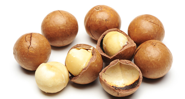 Macadamia Nut Oil for Natural Hair