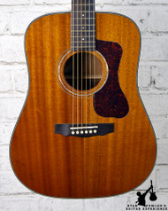Guild Westerly Collection D-120 Natural w/ Case