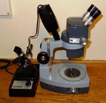 AO Stereo Zoom #569 Microscope with Trans-base and Nicholas Illuminator