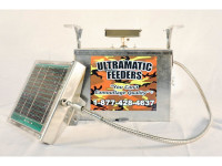 12 Volt Galvanized Box Feeder Control Unit with Cabled Solar - 133LDTS-C
