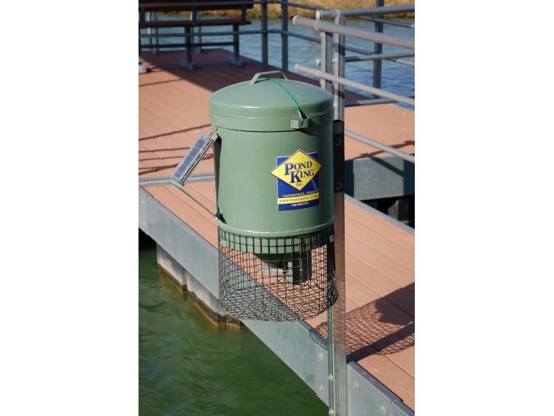 Pond king dock mounted fish feeder texas direct hunting for Texas hunter fish feeder