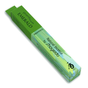 Ingredients: Sandalwood, Fennel, Cinnamon, Clove, and Spices  A green woodsy bouquet comprised of sandalwood and clove.  Contains biodegradable holder and 30 sticks which burn for approximately 25 minutes each.