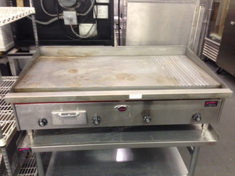 "WELLS 3048G Griddle, countertop, gas, 47-3/4"" W x 24"" D cooking surface,  smooth polished steel griddle plate 36"" on left, 12"" grooved section on right, zoned thermostatic heat control, stainless steel construction, with splashguard, 100,000 BTU/HR, CSA, NSF 4"