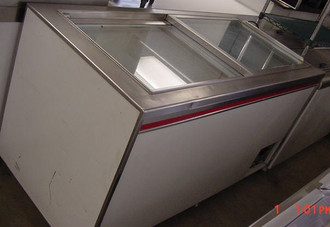 GLASS SLIDE TOP FREEZER