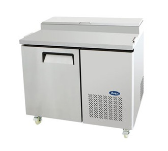 Refrigerated Reach-In Pizza Prep Table, one-section, self-contained refrigeration, 14.0 cu. ft. capacity, includes (6) 1/3 stainless steel pans, 33° to 38°F temperature range, (1) locking hinged self-closing door, (1) adjustable shelf, ventilated refrigeration, automatic lighting & evaporation, air defrost, stainless steel interior & exterior, galvanized steel back, casters, side mounted refrigeration, backsplash, 390 watts, 115v/60/1-ph, 4.2 amps, 1/3 HP, cETLus, ETL, CE