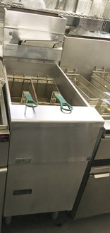 Solstice Fryer, gas, floor model, full frypot, 40-50 lb. oil capacity, millivolt control, stainless steel tank, front, door & sides, 110,000 BTU, NSF, CE, CSA Flame, CSA Star, AuGA. NATURAL GAS ONLY. NBm.