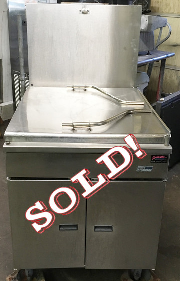 Donut Fryer, gas, floor model, 150 lb. oil capacity, mechanical thermostat, submerger, drainboard, stainless steel tank & exterior, 120,000 BTU, CSA, NSF