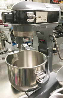 HOBART MODEL A200 20 QT MIXER.  115V. COMES WITH A BOWL, HOOK, WHIP AND PADDLE.