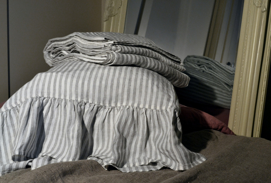 Striped linen pillow case with ruffle