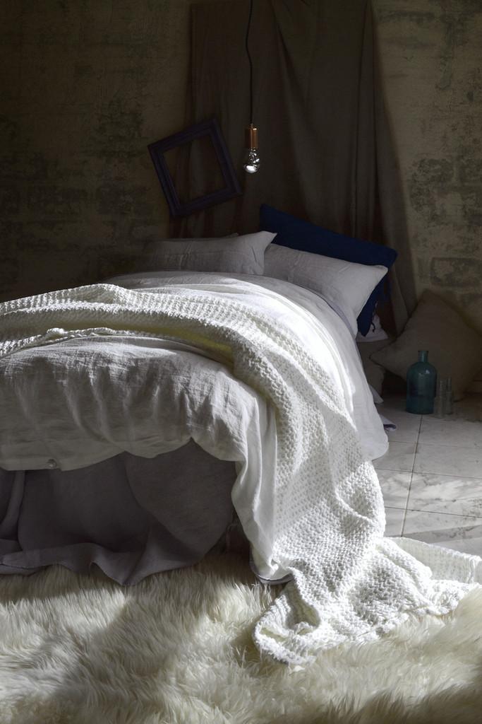 Pure Elegance, Antique white stonewashed linen duvet/quilt cover