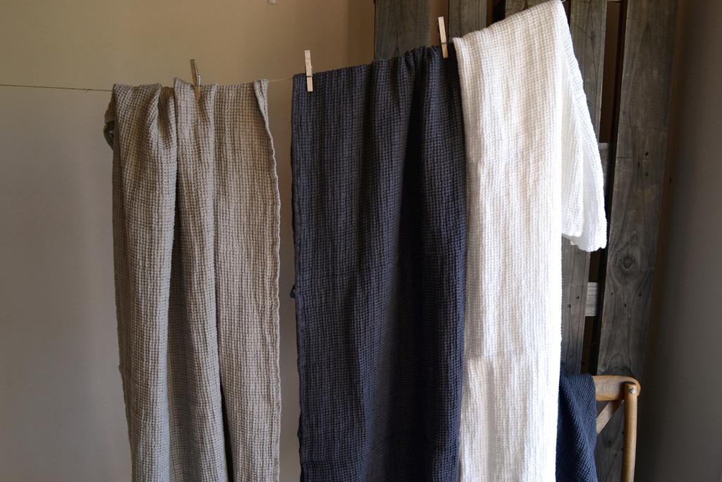 Natural linen bathroom towel, Charcoal/Waffle texture