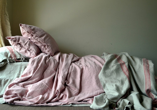 Rose Quartz stonewashed linen quilt cover. Heavy weight rustic linen