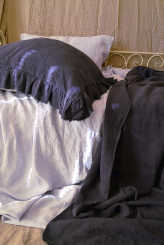 Frayed ruffle linen pillow case in Midnight blue