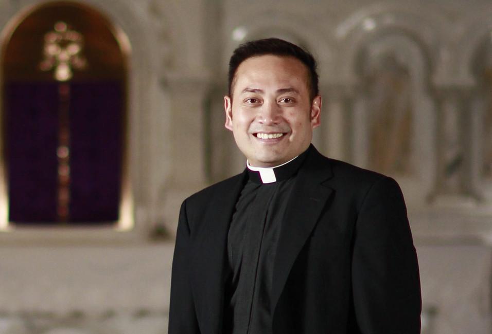 Who is Fr Leo Patalinghug?