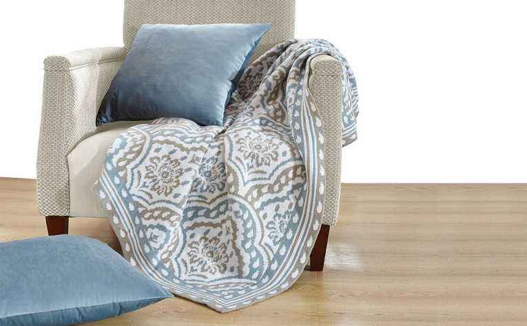 Tivoli Knitted Throw And Matching Pillow Shell Combination Set