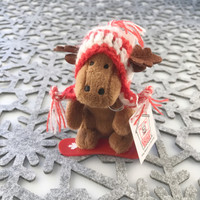 "Stuffed Animal House 4"" Snowboarding Moose Wintersports Boarder Knit Pilot Hat Canadian Winter Snowboard Keychain Zipper Pull Mini Red Plastic Board Canada Maple Leaf Key Chain Tiny Soft Brown Furry Fuzzy Clip Backpack Cute Wild Critter Plush Toy KS-SNO-06"