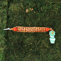 HOTI Hemp Handmade Orange Beige Natural Two Tone Leopard Animal Print Patterned Spotted Lacquered Coated Beaded Roach Clip Cuff Bracelet Wood Oval Barrel Tube Two-Tone Round Beads Ladies Womens Unisex Woven Knotted Lightweight Made in Canada Hand Crafted Made in Toronto Made in Ontario 420 Marijuana Jewellery Cannabis Jewelry Weed Accessories Pot Accessory Alligator Clip Clasp Toronto Ontario Canada Canadian Made