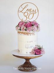 Stunning circular cake topper