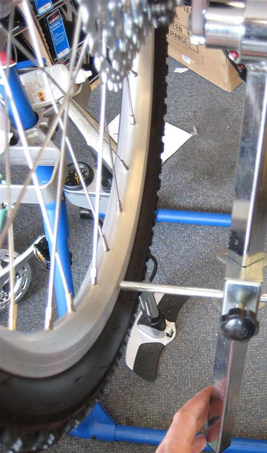hanger-tool-on-bottom-rim.jpg