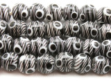 White & Black Glass Beads 10-12mm (JV372)
