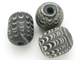 Black & White Feather Glass Bead 18-20mm (CB422)