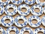 Ring w/Flowers  18mm - Glazed Blue & White Porcelain Beads (PO419)