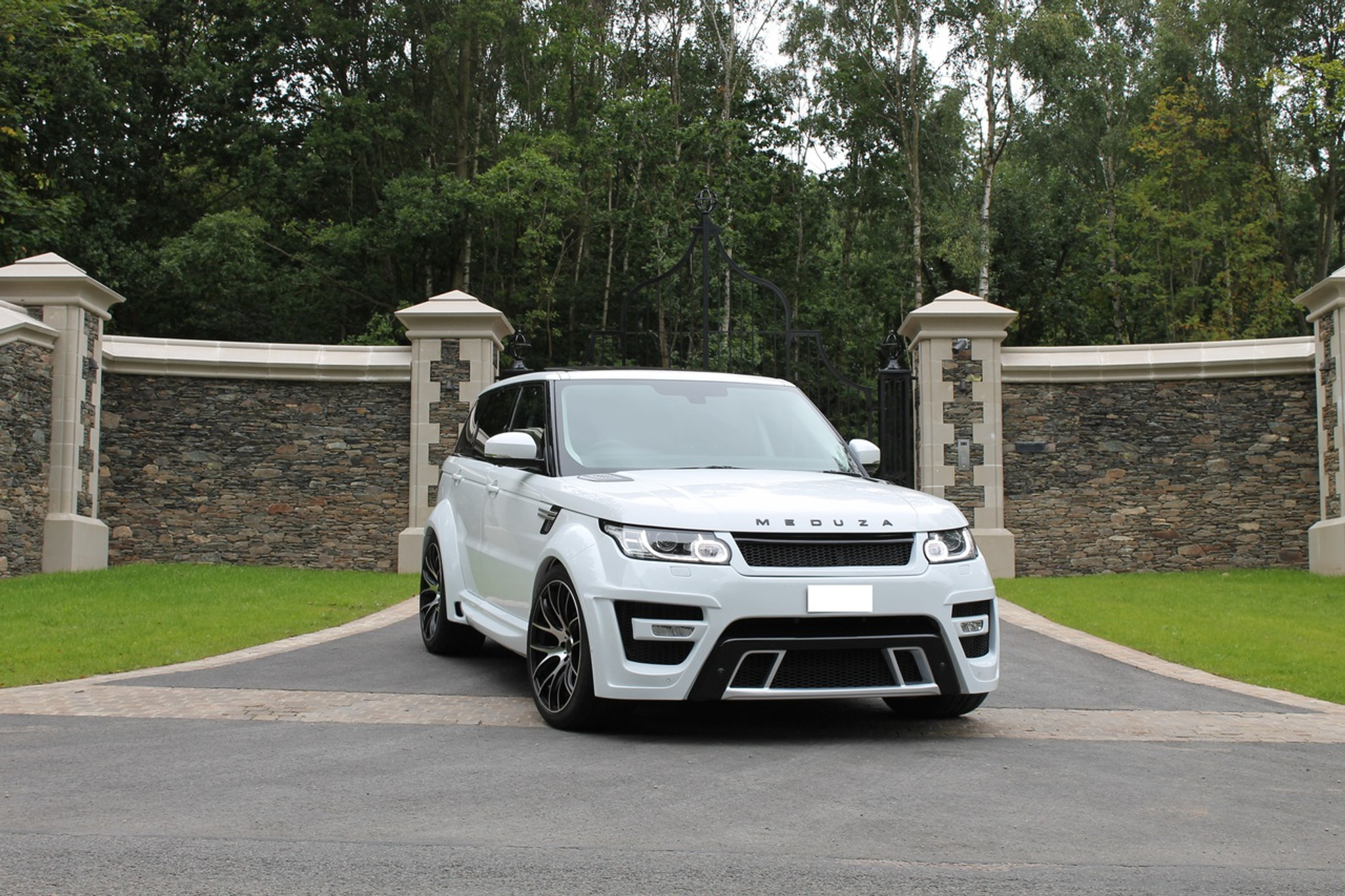 Range Rover Sport 2015 Meduza Rs 700 Body Kit Meduza