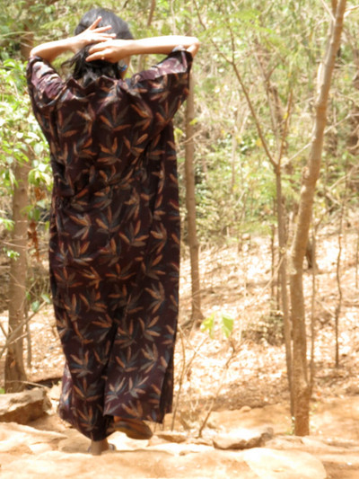 """Organic Au Naturelle"" Cinched Drawstring kaftan in Brown Leafy Pattern"