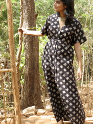 """Organic Au Naturelle"" Button-Front kaftan in Black Leafy pattern"