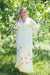 """Charming Collars"" kaftan in Falling Daisies pattern"