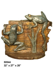 2 Frogs Climbing a Wall