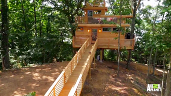 Frank Lloyd Wright inspired tree house exterior view