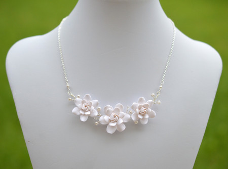Melinda Vine Necklace in White Gardenia