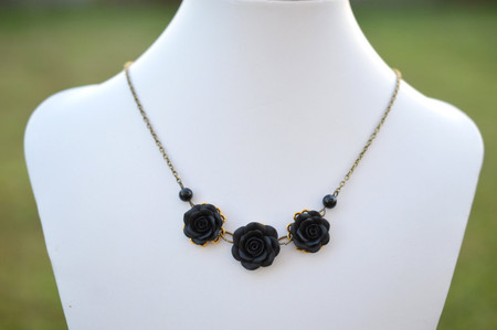 Tro Black Rose Statement Necklace