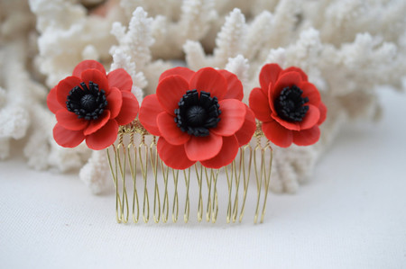 Vivian Hair Comb in Red or White Anemone/Poppy