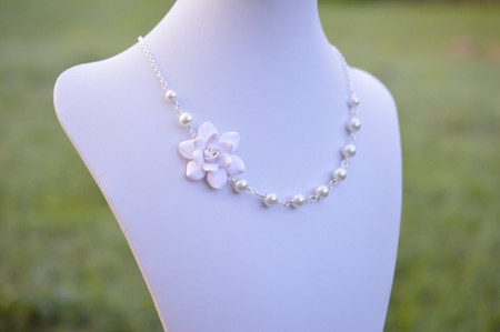 Donna Asymmetrical Necklace in White Gardenia. FREE EARRINGS