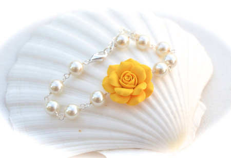 Aaliyah Link Bracelet in Golden Yellow Rose with Pearls