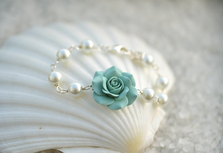 Aaliyah Link Bracelet in Dusty Mint Green with Pearls.
