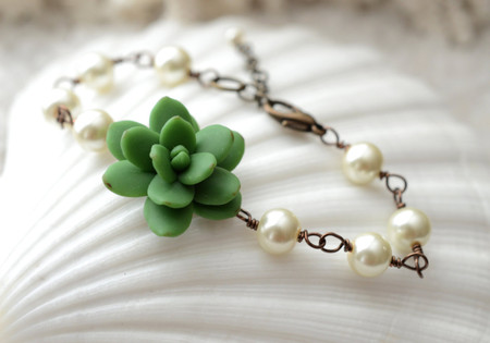 Andrea Link Bracelet in Green Succulent and Pearls