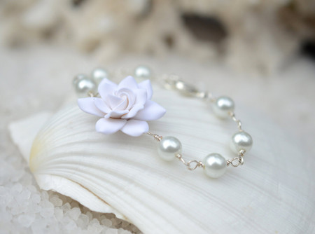 Andrea Link Bracalet in White Gardenia and Pearls