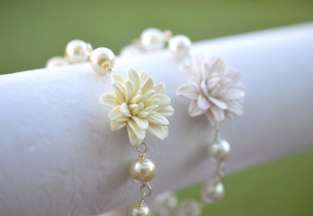Andrea Link Bracelet in Ivoryor White Dahlia and Pearls