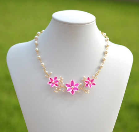 Angela Vine Necklace in Pink Stargazer Lily