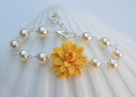 Andrea Link Bracelet in Golden Yellow Dahlia